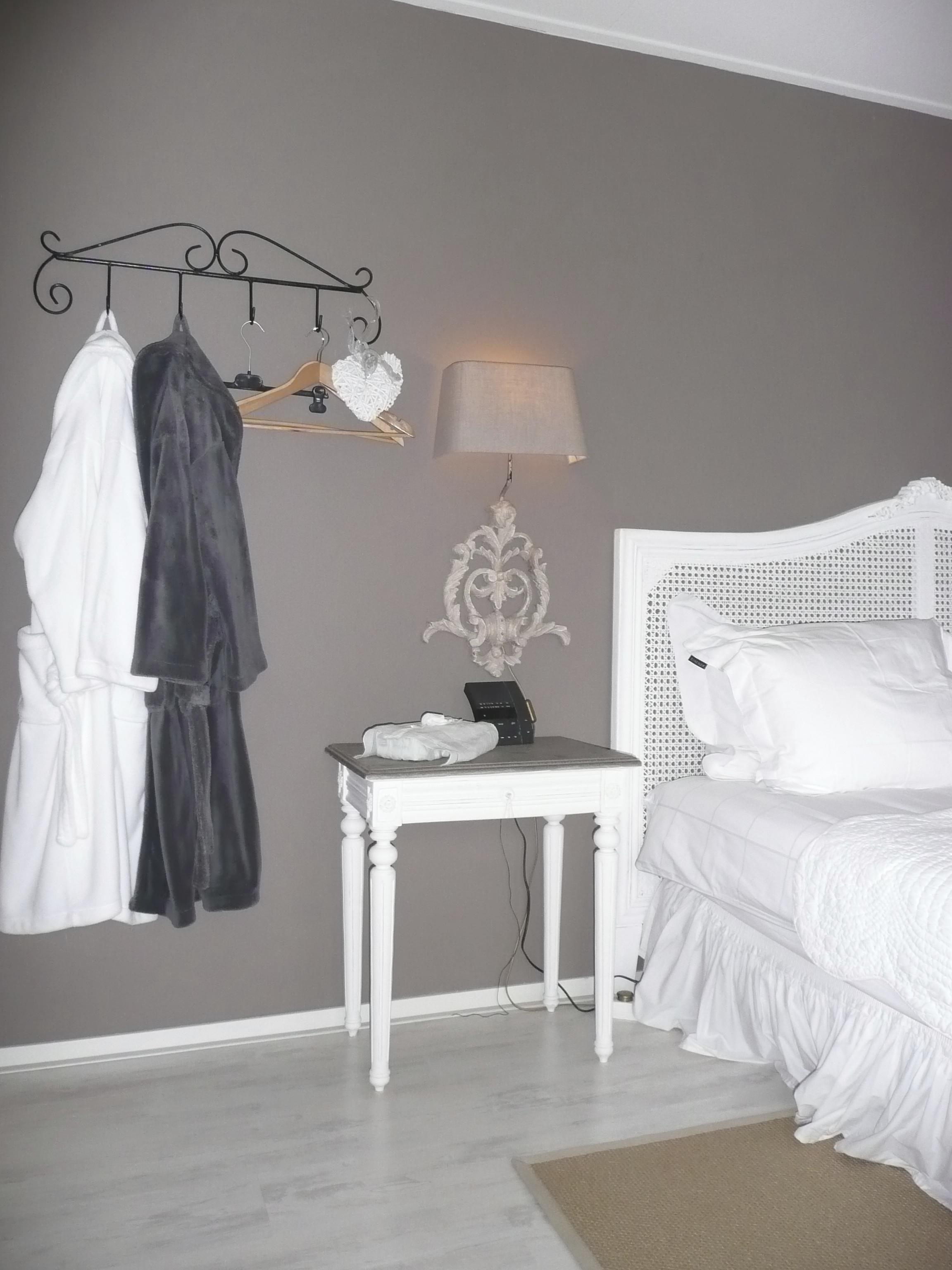 B b het winterkoninkje wandernan - Turquoise kamer en taupe ...